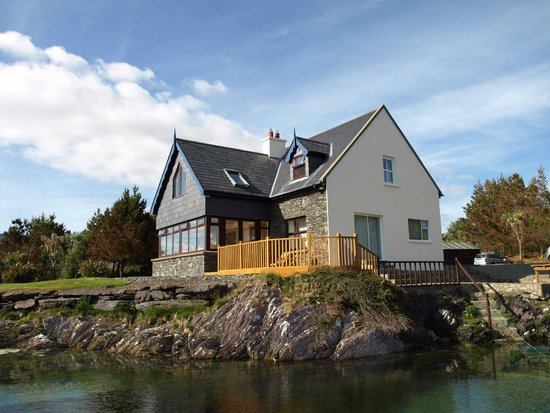 Waters Edge Accommodation: the B&B