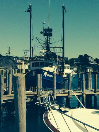 Martha's Vineyard Tours and Transportation: Menemsha, a fishing village