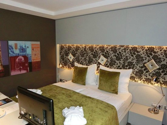 Hotel UNIC Prague: Superior double room - bed