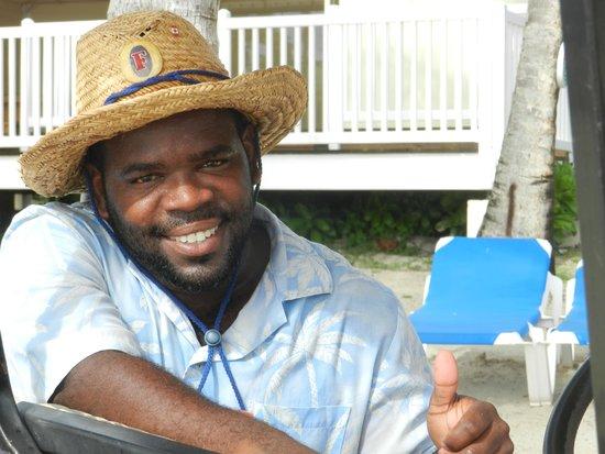 St. James's Club & Villas : Alfred notre charmant serveur à la plage