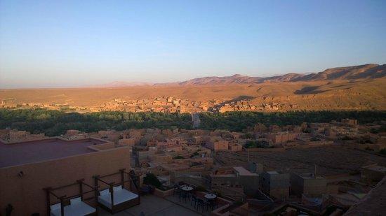 Hotel Xaluca Dades : Blick von der Terrasse unseres Zimmers, morgens