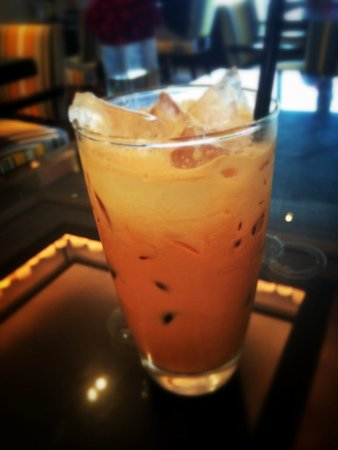 JW Marriott Hotel Bangkok: Thai Tea prepared for me in the Lounge.