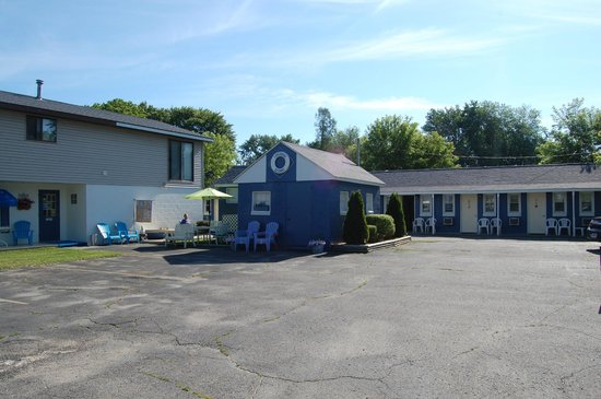 nicely kept and welcoming picture of lakewinds motel lexington tripadvisor. Black Bedroom Furniture Sets. Home Design Ideas