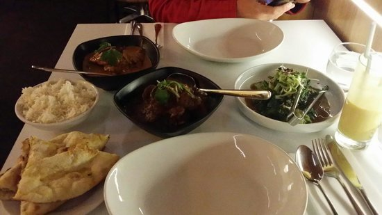 Malabar Restaurant: Lamb rogan and fish curry