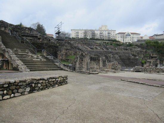 Theatres Romains de Fourviere: Recinto