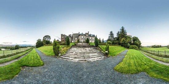 Inverlochy Castle Hotel, Terrasse und Treppe