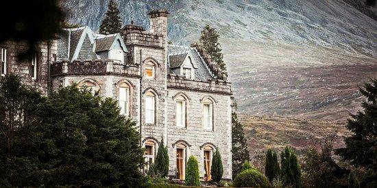 Inverlochy Castle Hotel : Hotel und Berge