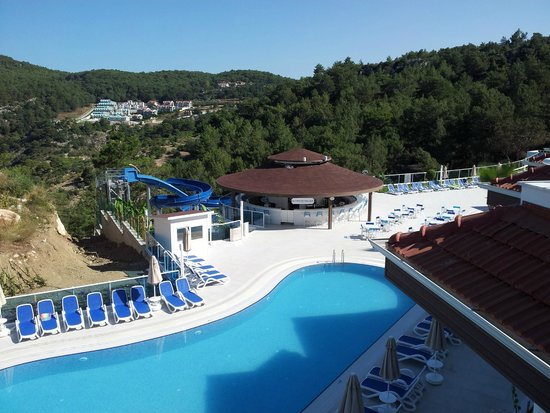 Garcia Resort & Spa: Pool bar and water slides