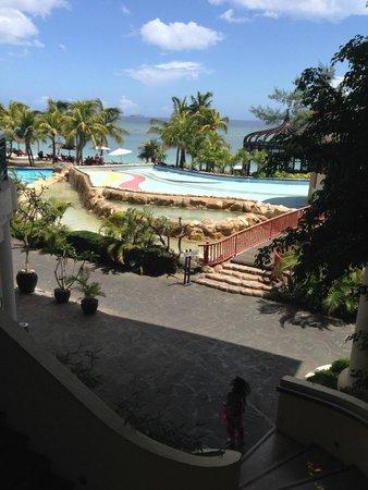 Le Meridien Ile Maurice : main pool ( empty )