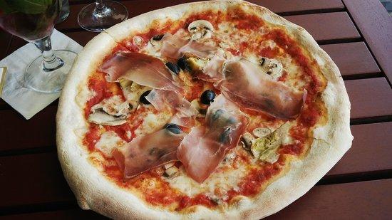 Pizza Coloseum : pizza