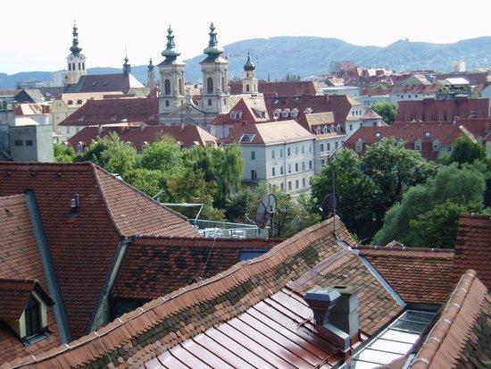 Schlossberg Hotel: 庭園からの眺め