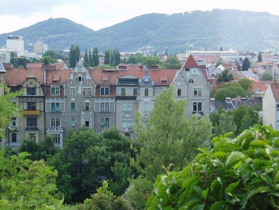 Schlossberg Hotel: ムーア川沿いの風景
