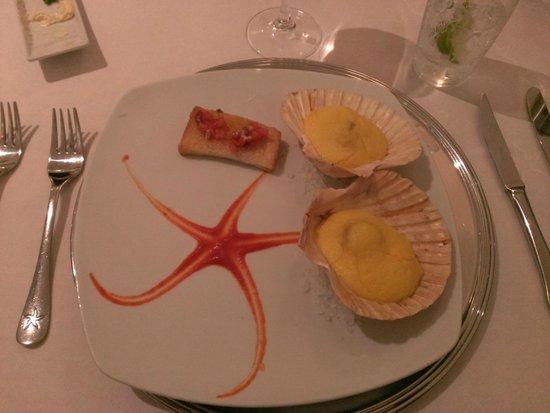 Iberostar Grand Hotel Paraiso: appetizer, beautiful presentations