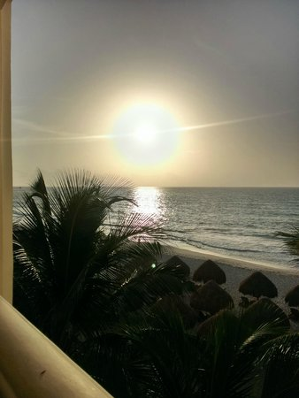 Iberostar Grand Hotel Paraiso: Sunrise from balcony