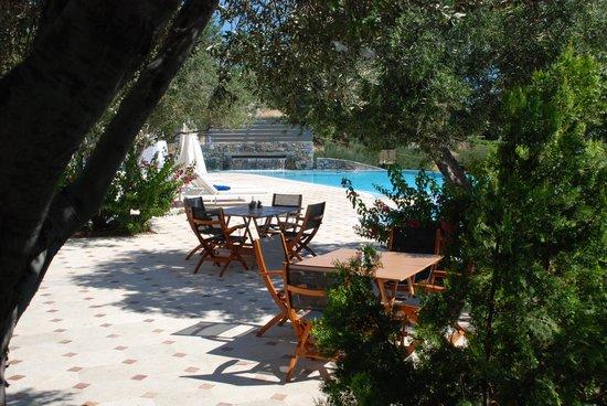 Elounda Gulf Villas & Suites: The main pool area