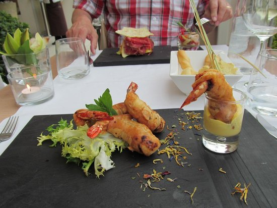 Villa Rosa Hotel : Starter of prawn in lime tempura batter