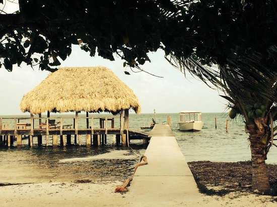 St. George's Caye Resort: Ocean side dock