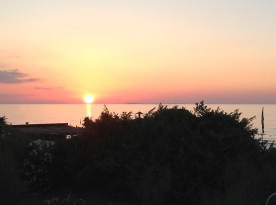 Blue Marine Village: uno splendido tramonto sulle Isole Tremiti, dal mio terrazzo...