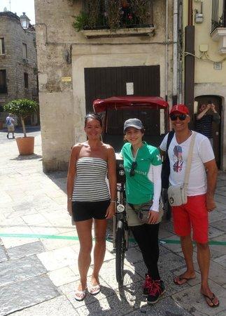 Velo Service - Bike Rental & Tours : Avec Adriana, notre précieuse guide