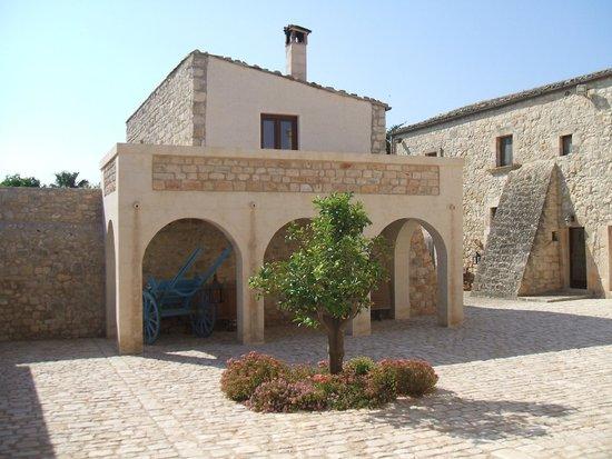 Nacalino Agriturismo: Courtyard