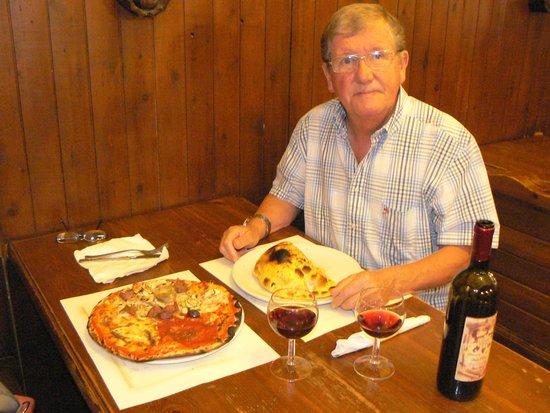 Ristorante Birreria Pizzeria Galilei: The best pizza and calzone in Rome