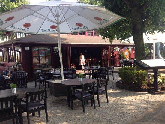 Christopher Columbus Restaurant : In front