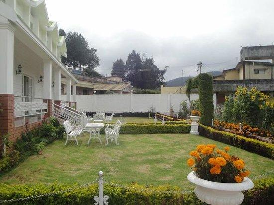 Hotel Sunpark Ooty: Garden