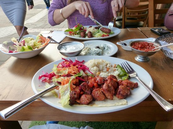 Kosk Ocakbasi Grill: Lamb shish, rice and salad
