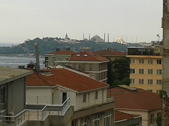 Mercure Istanbul Taksim: Magnificent view of Hajia Sofia and Blue Mosque from 313