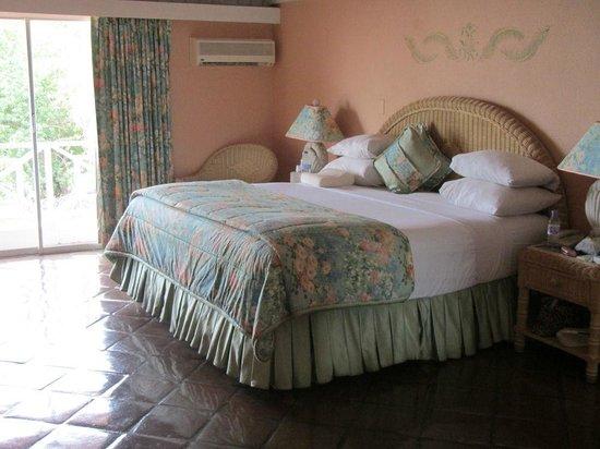 Coco Reef Tobago: Coral Suite 225 bedroom