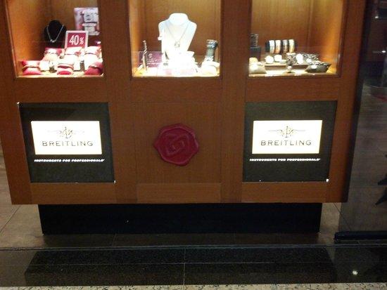 Kukulcan Plaza : lojas com produtos de altíssima qualidade