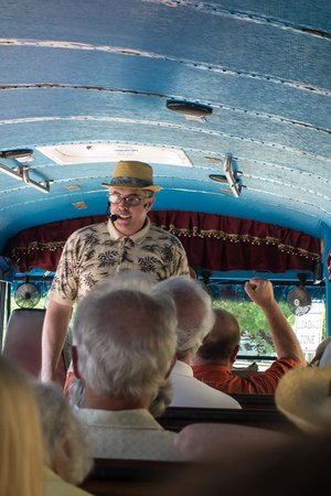 LaZoom: Our Crazy Tour Guide