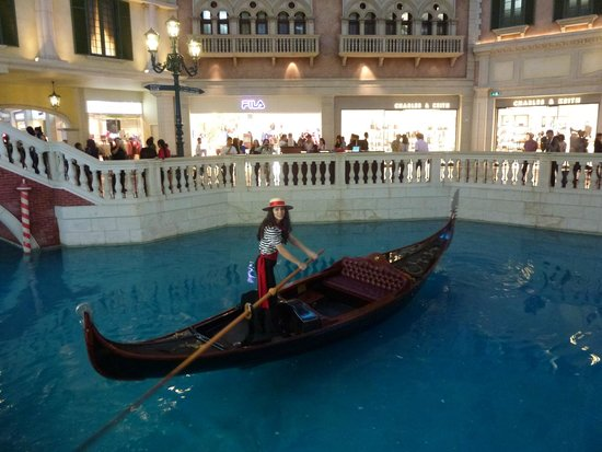 Venetian casino gondolier jobs penn national gambling