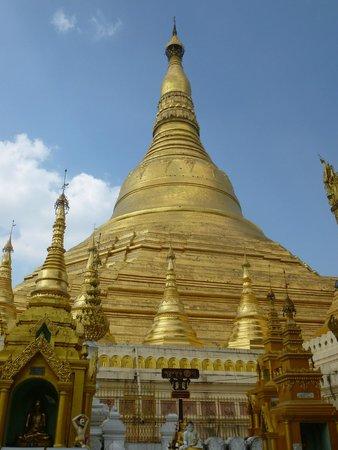 Pagode Shwedagon : Die Pagode, die angeblich mit mehr als 10.000 Goldfolien verkleidet ist!