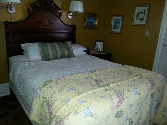 Inn On Charlotte : Marie Andreu's Haven