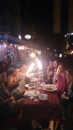 Shadow Cafe & Restaurant : Happy dayyy