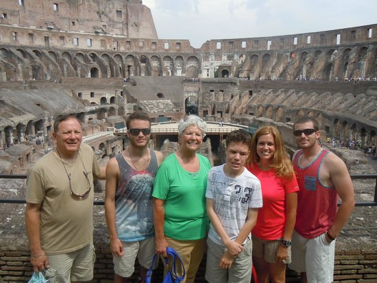 Easitalytours: Colosseum
