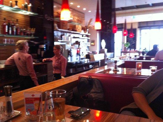 Steakhouse Ontario: Friendly atmosphere