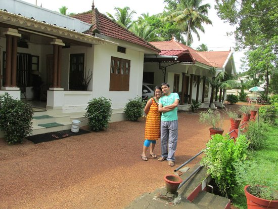 Coconut Creek Farm and Homestay : Infront of the homestay