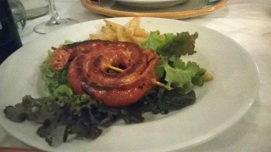 Casareyna : ¿Alta cocina Poblana? patatas fritas y lechuga de decoración. Creo que no!.