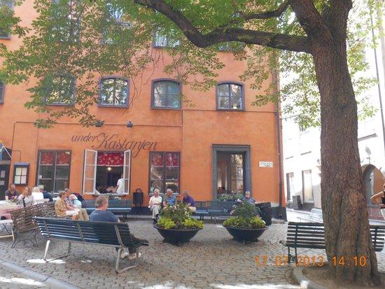 Castanea Old Town Hostel : place au pied de l'auberge