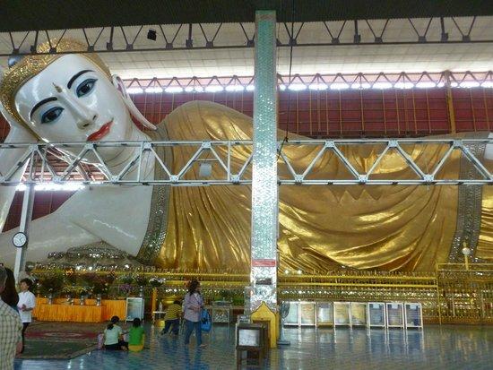 Chaukhtatgyi Buddha: Der liegende Buddha!