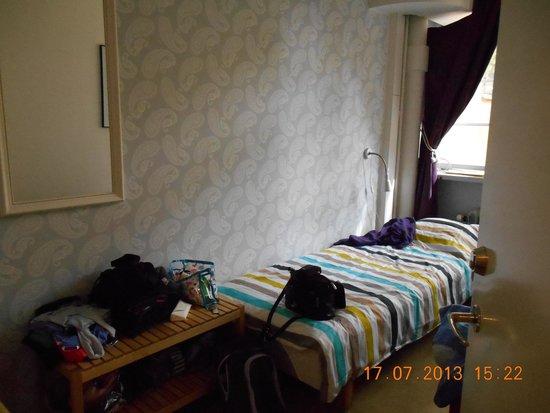 Castanea Old Town Hostel : Chambre pour deux