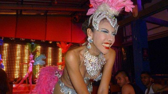 """Starz Cabaret : un primo piano di una delle """" prime donne """""""