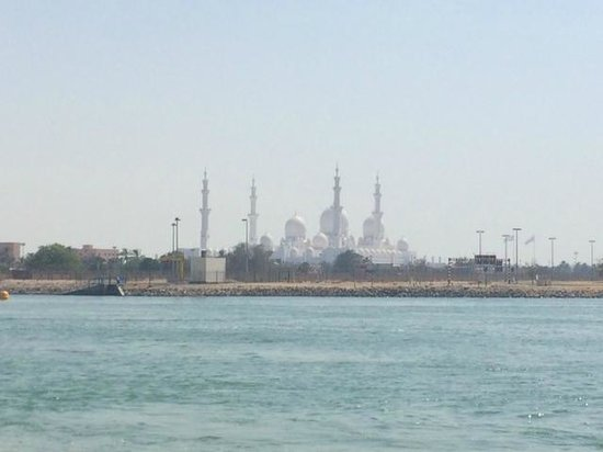 Fairmont Bab Al Bahr : View of Sheikh Zayed Mosque