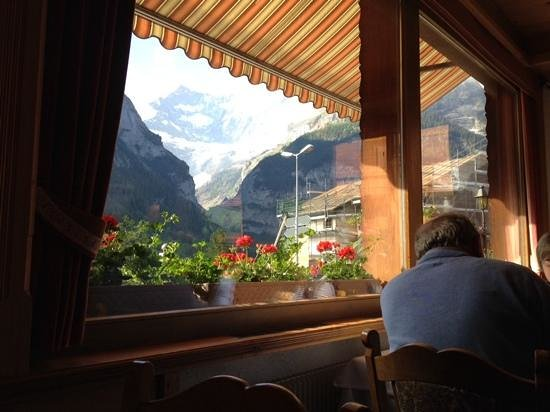 Hotel Gletschergarten : view from the dining room at breakfast time
