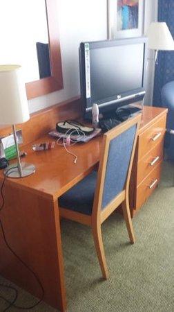 Holiday Inn Preston: room