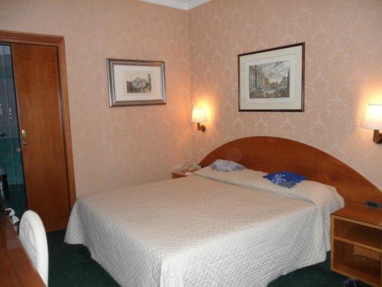 Hotel La Rovere : bedroom