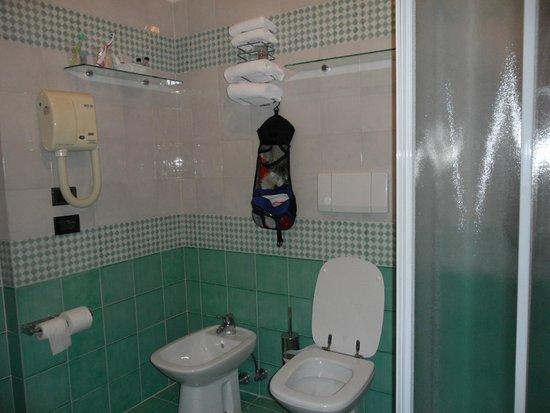 Hotel La Rovere: bathroom
