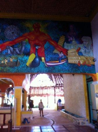 PavoReal Beach Resort Tulum: Reception coloratissima